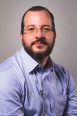 Adriano Mendes, advogado especialista em proteção de dado